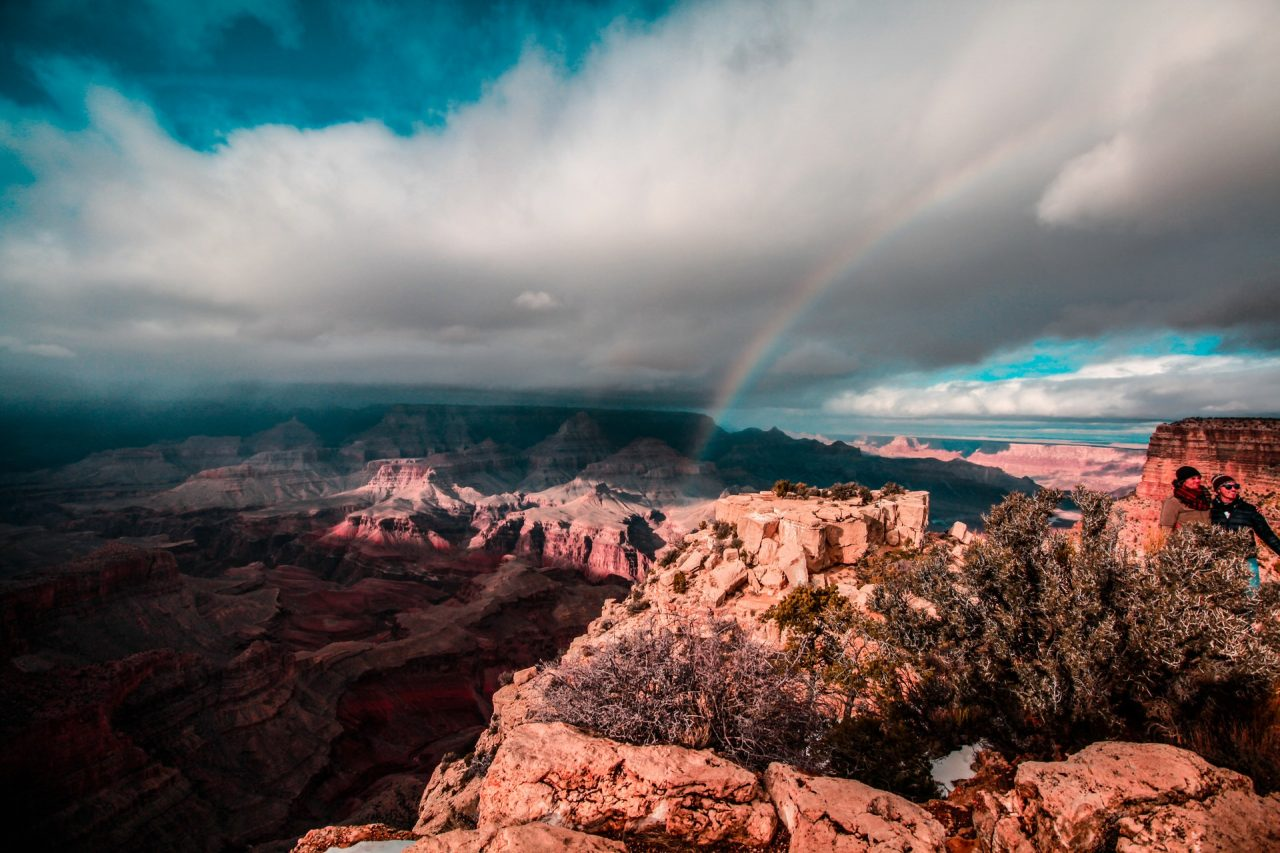 Arc-en-ciel sur le Grand Canyon en Arizona